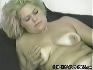 Mature vixen cravingly stuffing big dildo in every hole