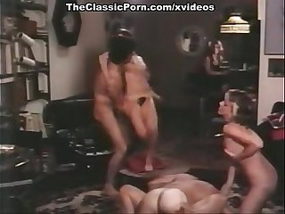 Darby Lloyd Rains, Jamie Gillis, Jennifer Jordan in vintage fuck movie