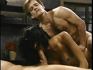 Anna Malle Anal Fuck  Threesome Porn Video - more on http://ow.ly/jBNI303sMdn
